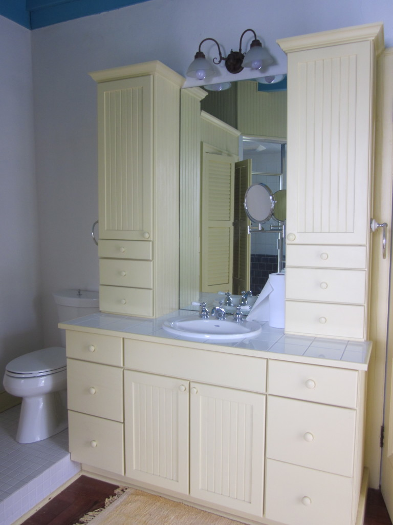 Mary_Plantation_House_Upstairs_Interior_Bathroom_Sink_Cabinet