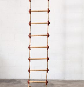 Rope Ladder and Step Ladder: Which One to Choose